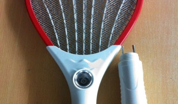 Mosquito Racket for 10dhs. I have 3 rackets. Will give discount if you buy all 3. 3 for 25dhs