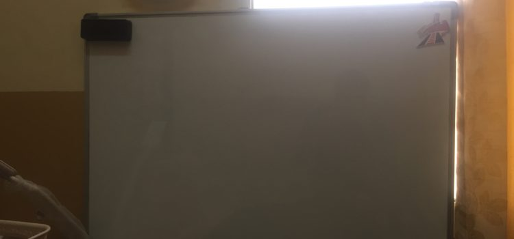 Big White board for room with duster selling for 30 dirham only. Hardly used